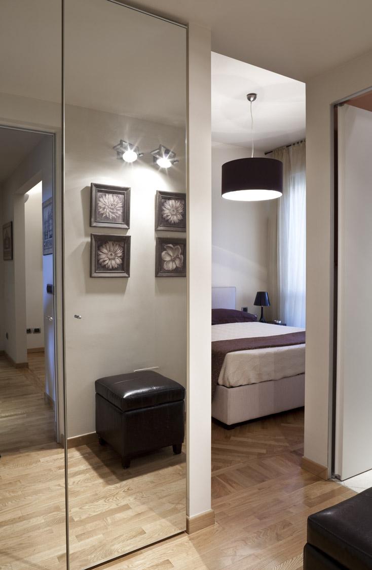 Mini appartamento milano 2008 giovanna azzarello for Interni di appartamenti